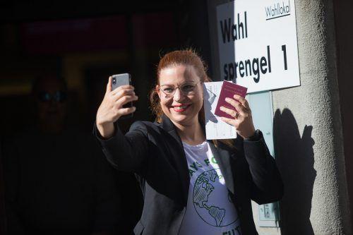 Grüne Nationalrätin Nina Tomaselli benutzt offenbar mit Vorliebe das Flugzeug für Reisen als Politikerin.VN