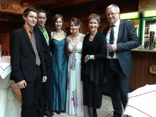 Günter Ludescher war ein stolzer Familienvater, hier mit seiner Frau Maria-Luise und seinen Kindern Vera, Bianca, Roman und Daniel.