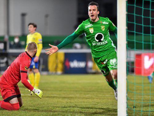 Haris Tabakovic war der Matchwinner beim 3:1-Sieg der Austria. Der Goalgetter hält nun bei zwölf Toren in nur 15 Spielen.gepa