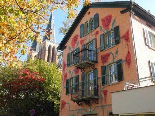 Haus Am Brand mit Angstblüte von Uwe Jäntsch.