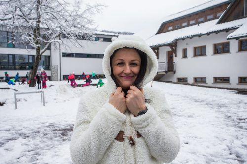 In Alberschwende freuten sich die Schüler von Lehrerin Laura über die weiße Pracht. VN/Steurer
