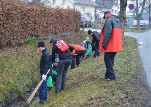 In Weiler werden sich in Kürze wieder Vereine und Privatpersonen aufmachen, um den weggeworfenen Müll einzusammeln.ARCHIV/Mäser