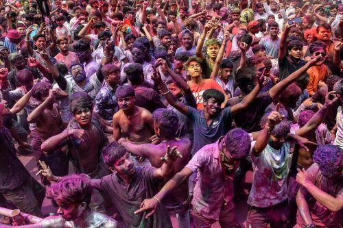 Inzwischen leben viele Inder wieder so, als gäbe es keine Pandemie. afp