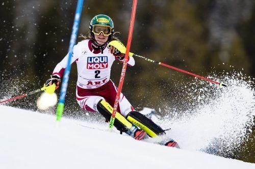 Katharina Liensberger kämpft heute beim Weltcup-Finale in Lenzerheide mit Petra Vlhova und Mikaela Shiffrin um die Slalom-Kristallkugel. GEpa