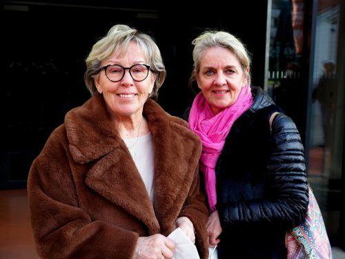 Künstlerin Edith Hofer mit ihrer Mutter Elfi.