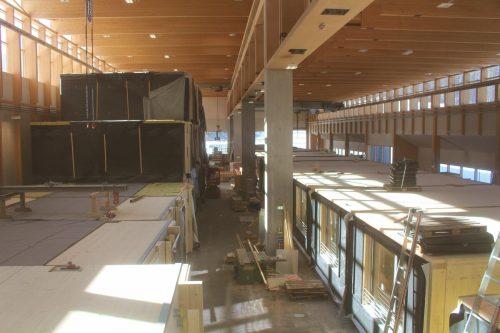 Mit einem ausgeklügelten Konzept wird das Jesuheim ausgebaut. In der Kaufmann-Halle in Reuthe warten 44 Boxen auf den Transport nach Lochau. STP/4