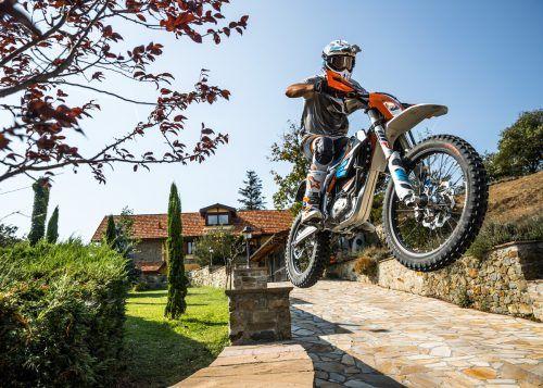 Motorradhersteller (KTM E-Ride) schließen sich in Sachen Batterie zusammen.Fa