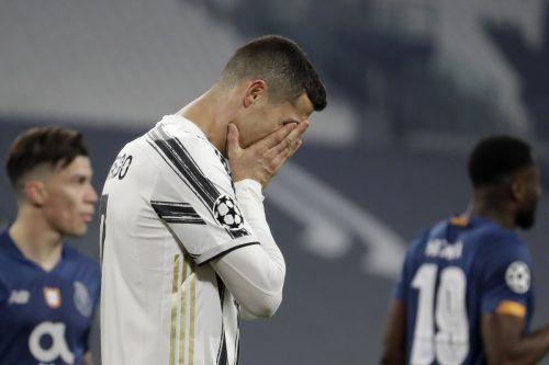 Nicht nur Cristiano Ronaldo schämt sich nach dem Aus . . .