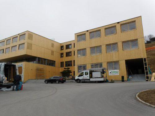 Noch wird gearbeitet, aber Mitte Mai öffnet das Jufa Hotel Laterns die Pforten für seine Gäste.Mäser
