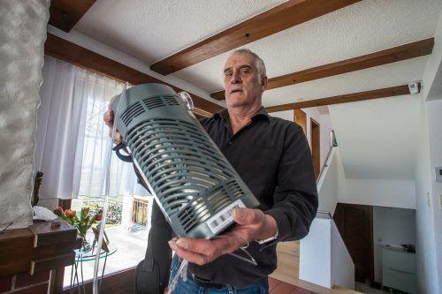 Ohne Sauerstoffgerät wäre das Leben für den Lauteracher Günter Rummer nicht mehr denkbar. VN/Steurer