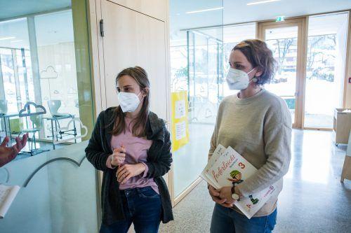 Pädagoginnen und Pädagogen müssen Maske tragen. Daran führt kein Weg vorbei. VN/STEURER
