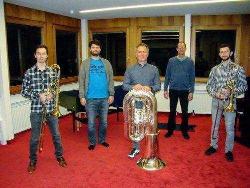 Peter Forstinger, Musikschullehrer Dietmar Nigsch, Thomas Rudigier, Korrepetitor Michael Plangg und Bertram Melmer (v.l.). STO