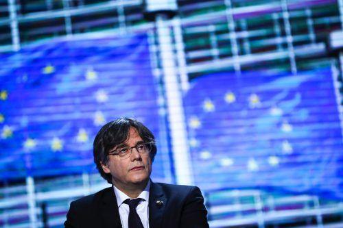 Puigdemont und den zwei anderen Mandataren droht die Auslieferung. AP