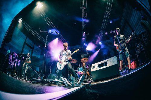 Restlos ausverkauft: Die Mundart-Rock-Band Rumborak spielt heute in der Remise vor 100 negativ getesteten Besuchern. Jüx Hummer