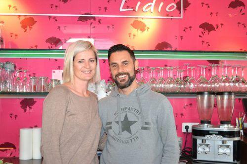 Sandra und Lidio Cipolla wollen in Zukunft mehr Zeit mit ihren drei Kindern verbringen.BI