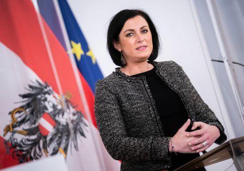Tourismusministerin Elisabeth Köstinger verspricht Gastronomen Hilfe.APA