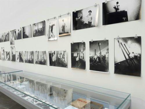 Wien hat Joseph Beuys wegen seiner geopolitischen Lage, aber auch wegen der hiesigen Kunstszene interessiert. Er kam erstmals 1966 in die Bundeshauptstadt. apa