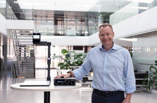 WolfVision-Geschäftsführer Michael Lisch hat die richtige Lösung für digitale drahtlose Präsentation, die durch Corona einen großen Schub bekommen hat.FA
