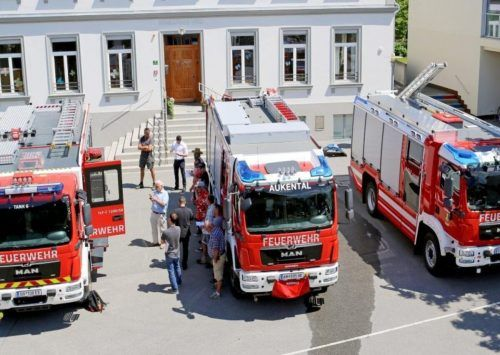 Aktuell besteht der Fuhrpark der Feuerwehr Weiler aus drei Einsatzfahrzeugen. Anfang 2022 soll ein Versorgungsfahrzeug dazukommen.Gemeinde