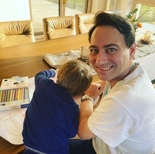 Am Montag postete der FPÖ-Politiker ein Bild mit seinem Sohn.
