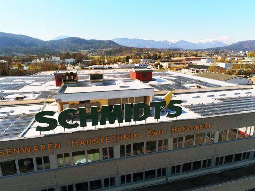 An drei Standorten hat das Bürser Handelsunternehmen Photovoltaik-Anlagen installiert, weitere Standorte werden geprüft, heißt es vonseiten Schmidt's. Fa