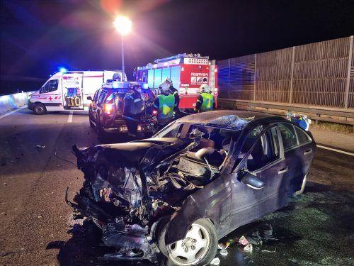 Bei dem Unfall mit zwei Todesopfern wurden zudem fünf Menschen verletzt. APA
