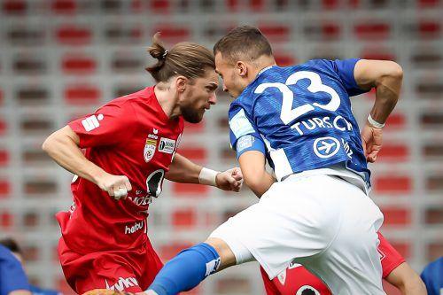 Beim ersten Match der beiden Teams in Linz hatte der FC Dornbirn mit einem 2:1-Sieg die Nase vorne.gepa