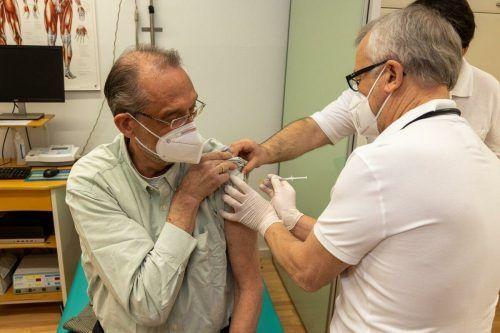 Bildungsminister Heinz Faßmann erhielt am Freitag seine erste Teilimpfung.APA