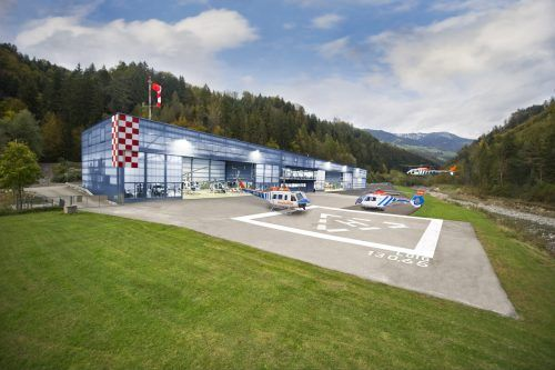 Bis Ende 2021 soll der neue, erweiterte Hangar von Wucher Helicopter in Ludesch in Betrieb gehen. KRH