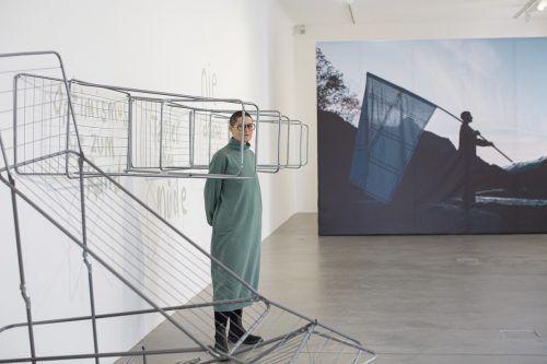 Christine Lederer operiert im Bildraum Bodensee auch mit dem Begriff der Rebellion. petra rainer