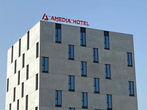 Das Bregenzer Architekturbüro Dietrich Untertrifaller ist für das neue Hotel im Lustenauer Millennium Park verantwortlich. FA