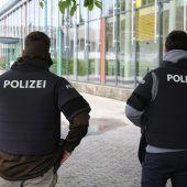 Polizeieinsätze an Schulen nur bei Gefahr in Verzug