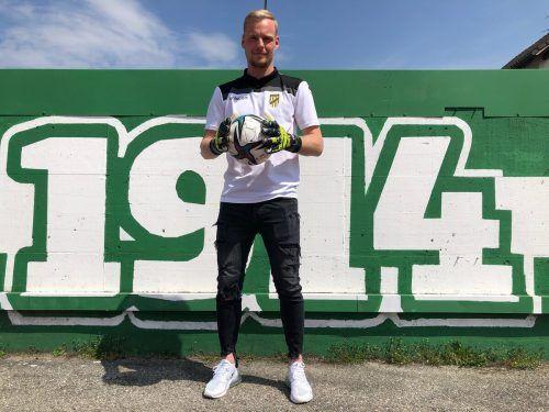 Den Austria-Ball weiter fest im Griff: Goalie Domenik Schierl bleibt bis 2023 in Lustenau.Verein