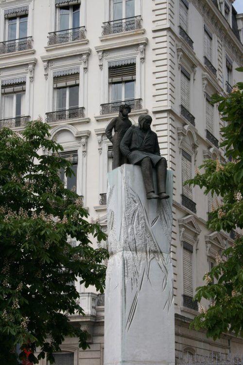 Denkmal für Saint-Exupéry in Lyon, wo der Autor geboren wurde. VN-cd