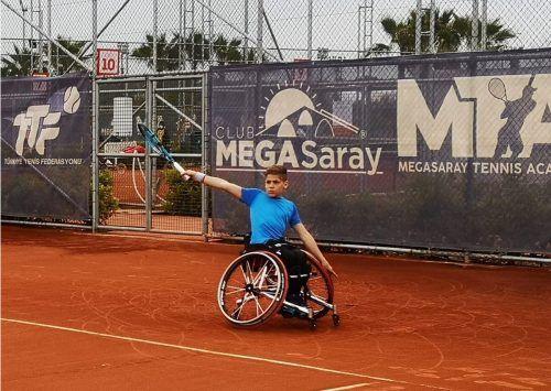 Der 13-jährige Maximilian Taucher aus Hohenems schnupperte internationale Turnierluft in der Türkei.mima