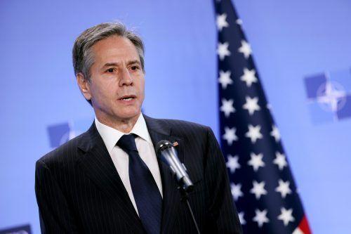 Der Außenminister traf zu einem unangemeldeten Besuch in Kabul ein. reuters