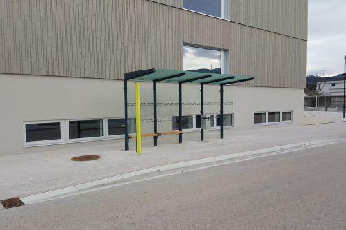 Der Campus Bütze ist mit eigener Haltestelle direkt an die Öffis angebunden.