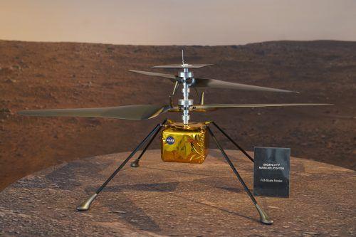 Der Mars-Hubschrauber ist knapp zwei Kilogramm leicht. AP/NASA