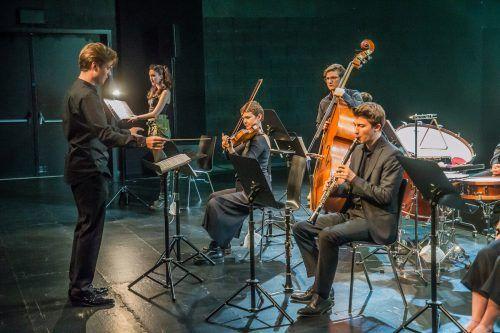 Die Camerata Musica Reno mit Mariam Avaliani unter Tobias Grabher. VN/Steurer