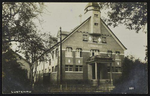 Die Jahnturnhalle, fotografiert vor 1950.