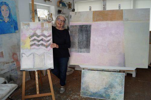 Die Malerin Ursula Dorigo hat für die VN-Heimat die Türen zu ihrem Atelier in Feldkirch geöffnet. Ritter