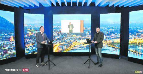 Die Moderatoren, VN-Chefredakteur Gerold Riedmann und VOL-Chefreporter Pascal Pletsch, im Studio.