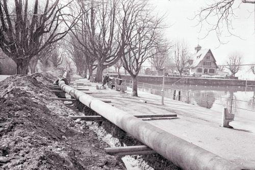 Die Pipeline im Bereich des Gondelhafens. Der Baustart erfolgte vor 56 Jahren.Oskar Spang, Stadtarchiv Bregenz, Vorarlberger Landesbibliothek, www.vorarlberg.at/volare