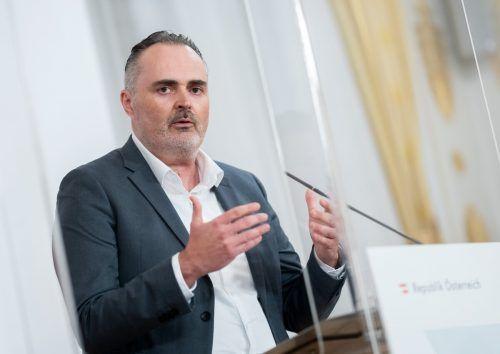 Die SPÖ setze zu sehr auf restriktive Coronamaßnahmen, sagt Doskozil.APA