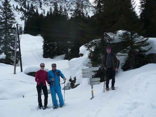 Die St. Gallenkirchner Pensionist sind mit den Schneeschuhen unterwegs.PVÖ
