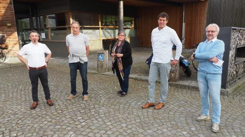 Die Steuerungsgruppe: Bgm. Jürgen Bachmann, Alfred Bickel, Hermelinde Rietzler, Bernhard Keckeis und Franz Weidinger (es fehlt Andreas Böhler-Huber).Egle