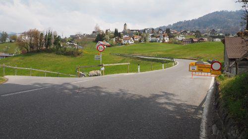 """Die Umleitung über den """"Hennabühel"""" ist überlastet, während die Route über Daliebis (im Bild) kaum genützt wird. Egle"""