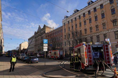 Die Ursache für das Feuer in dem sechsstöckige Gebäude ist noch unklar. RTS