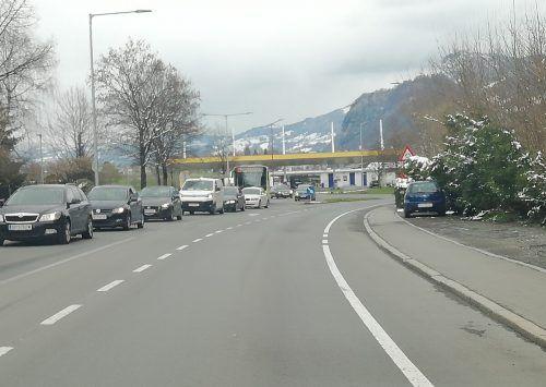 Die Verkehrsbelastung auf der Landesstraße 190 ließ die Anwohner aktiv werden. In einer Petition fordern sie Verbesserungen und bringen konkrete Vorschläge.Mäser