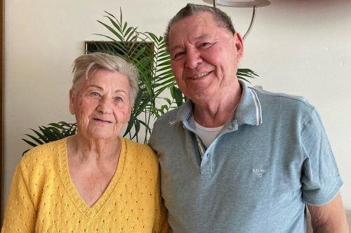 Dorothea und Karl Nachbaur halten fest zusammen und unternehmen alles gemeinsam. kl